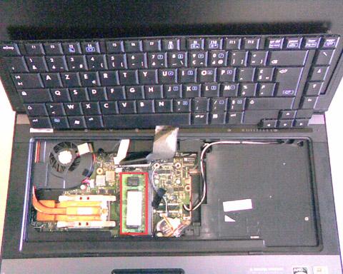HP Compaq 6715b - Etape 4 - Compartiment de mémoire DDR2 de base